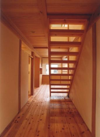 風の抜ける階段