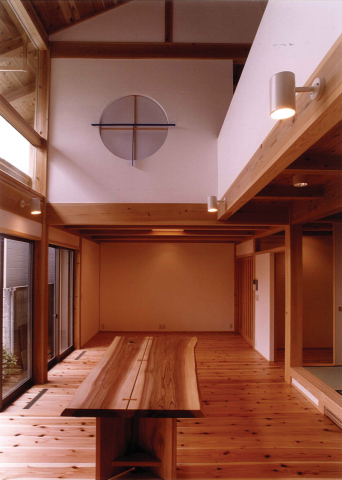 無垢の木としっくいの家