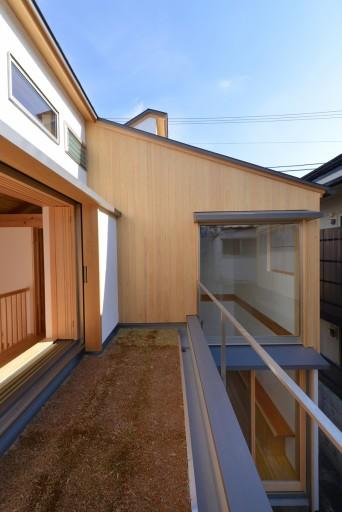 木組みの家「高円寺の家」屋上庭園から