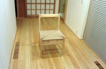木組みの家「高円寺の家」の椅子