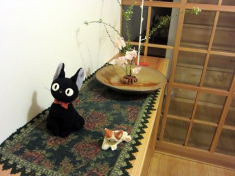 木組みの家「高円寺の家」玄関の猫の人形