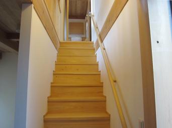 木組みの家「高円寺の家」階段