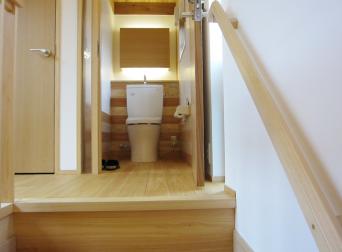 木組みの家「高円寺の家」二階トイレ