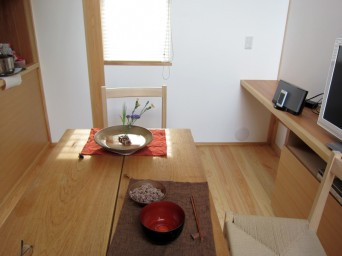 木組みの家「高円寺の家」食事室のあかり