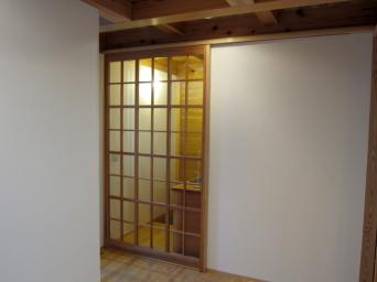 木組みの家「高円寺の家」浄土寺格子の玄関戸