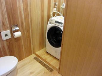 木組みの家「高円寺の家」洗濯機置き場