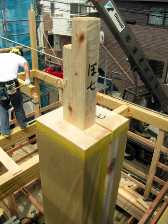木組みの家「高円寺の家」燃えしろ設計の柱