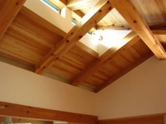 木組みの家「高円寺の家」寝室の屋根裏の様子