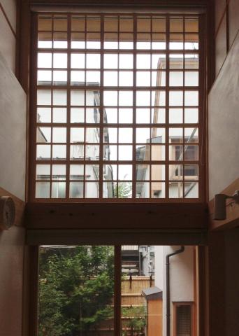 「高円寺の家」西側窓浄土寺格子