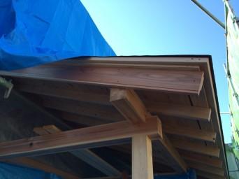 木組みの家「我孫子の家2」破風板の眉
