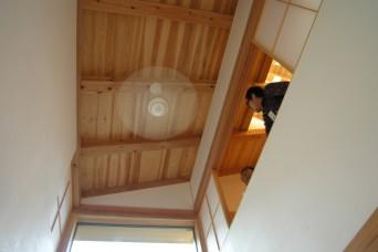 「木組みの家に住んで」吹抜のインテリアファン