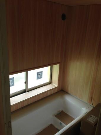 木組みの家「我孫子の家2」浴室桧板