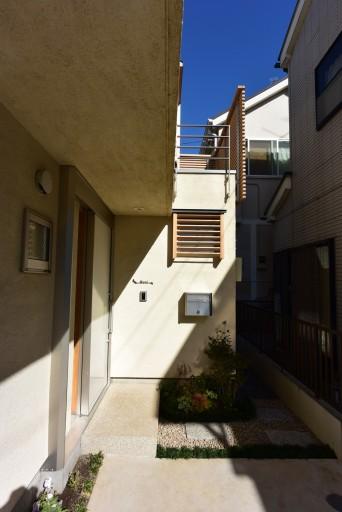 木組みの家「登戸の家」玄関